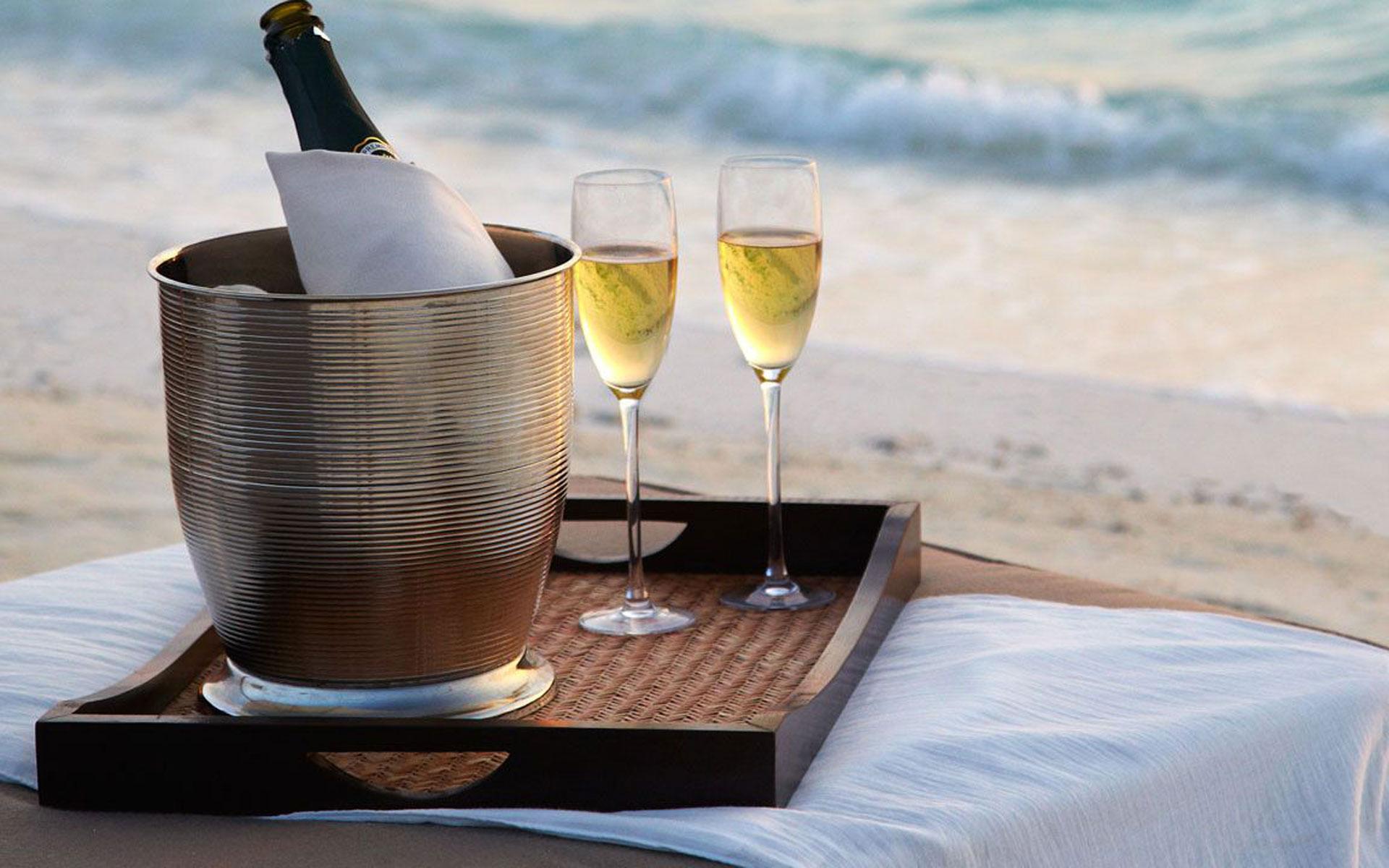 картинка яхта и шампанское имеет стильный