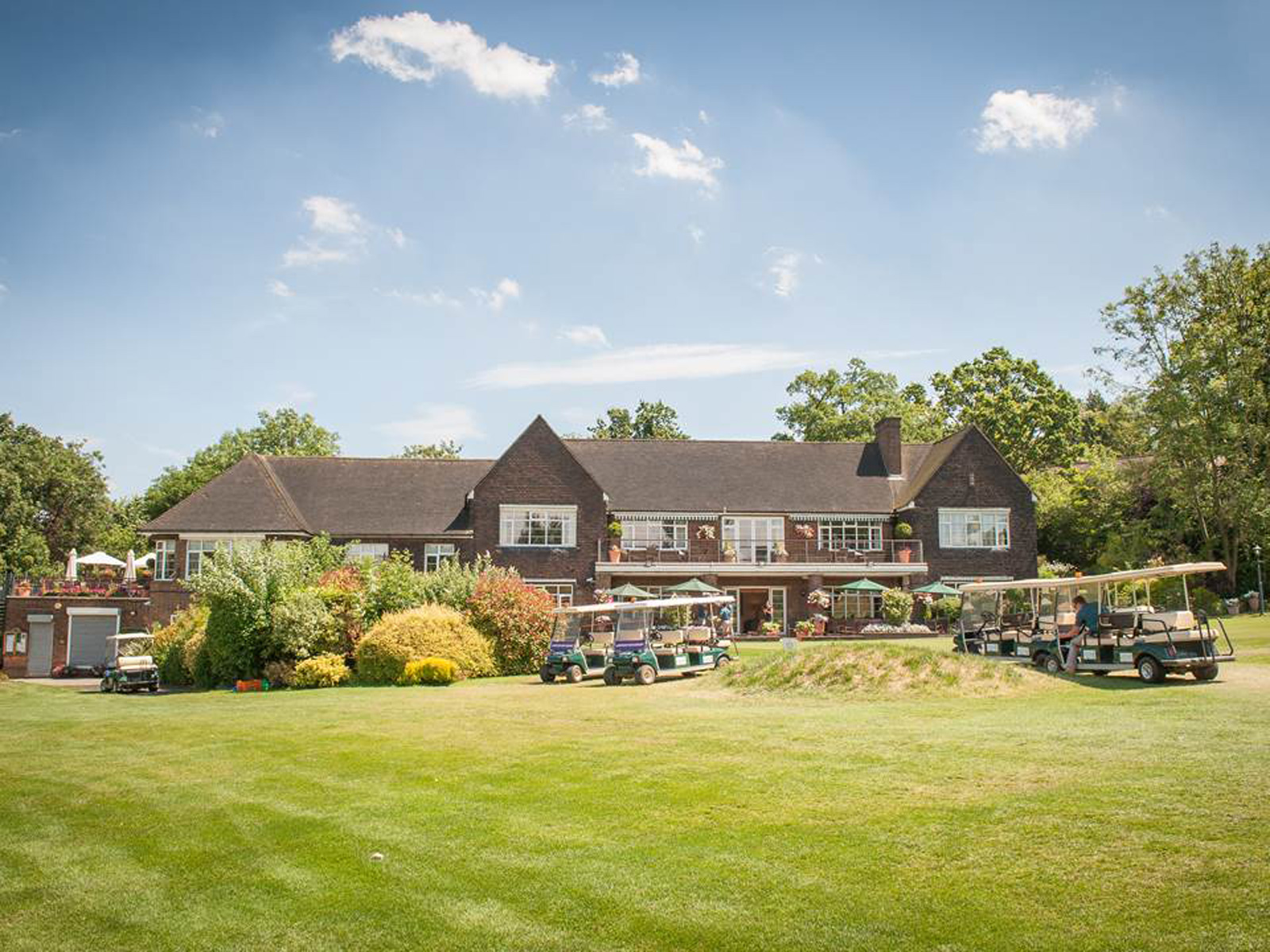 Wimbledon Park Golf Club is just half a mile away from Wimbledon and offers a great hospitality package for a full days experience