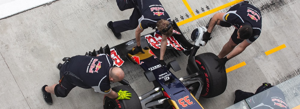 Exclusive views of the red bull team and pit stops at Silverstone 2021